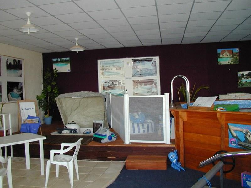 Biarritz piscines diffusion orthez adresse t l phone for Local piscine rocher